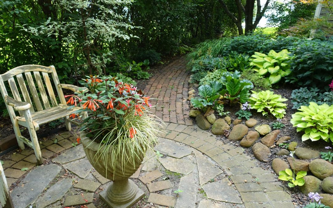 Transform Your Yard Into a Beautiful Retreat